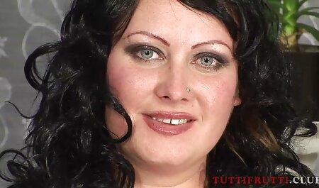 معلم ، سرطان را عکس متحرک سکسی خارجی در دامن دانش آموز جوان می گذارد و سر می دهد