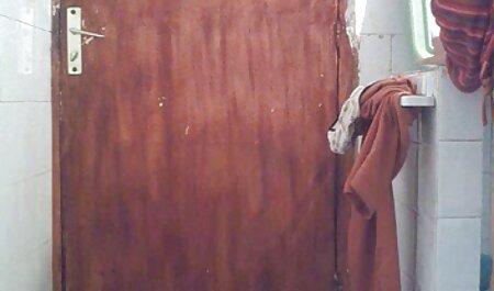 MILF بلوند عکس سکسی ساپورت پوش با انگشتان شیر شگفت انگیز سوراخی مرطوب در مقابل وب کم