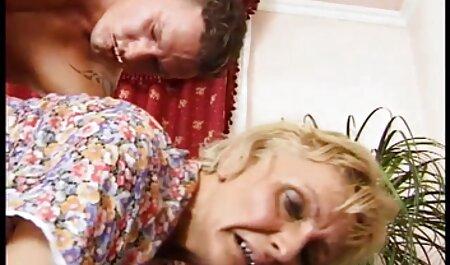 مادر جوراب شلواری خود را عکس سکس خارجی ها پایین آورد و سوراخ واژن را خودارضایی کرد