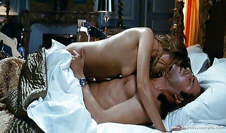 زن بلوند ریزه اندام به دلیل رابطه جنسی عکس های سکسی خارجی ها گرم در خانواده ، شوهر خود را اغوا کرد