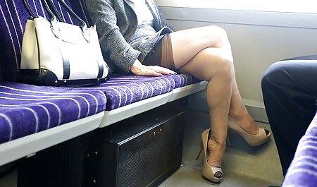 مادر بلوند پاهایش عكس سكسى كس را درآورد و بیدمشک بیدمشک او را نوازش کرد