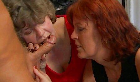 نزدیک مشت زدن واژن عکس های سکس خارجی از دو بور زیبا