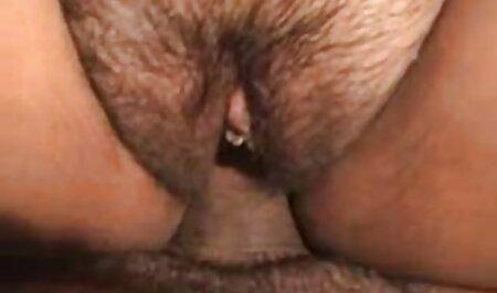 دختران متفرق هر سه سوراخ زیر دم را جایگزین عکس سکسیآماتوری می کنند
