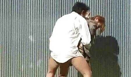 دختران پیشرفته یک پسر را استمناء می کنند و یک باند باند دارند تصاویر سکسی دختران عربی