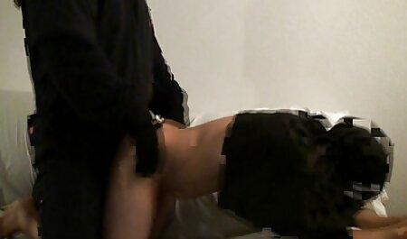 سبزه داغ در جوراب عکسهای متحرک سکسی ایرانی ساق بلند یک آلت تناسلی در مقعد کشیده جلوی وب کم می شود