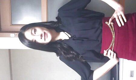 یک دوست با موی بلند را به عکس های سکسی ایرانیان خانه آورد و با دوربین زیربغل گرفت
