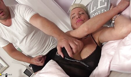 جوجه در شورت مشکی سکسی دوست خود را راضی می کند عکسهای سکسی خارجی جدید