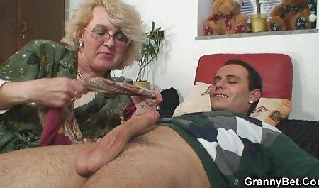 مقعد را روغن کاری کرده و به آرامی بین نقش های یک MILF بالغ با یک کلیت بزرگ سست تصاویر سکسی دختران عربی می شود