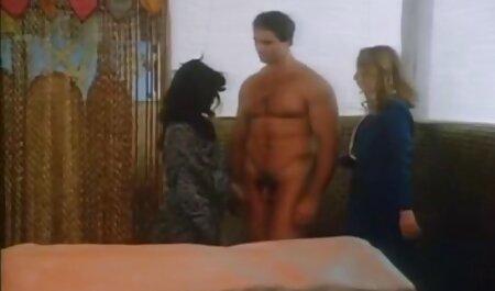 سینه های کوچک مانع از پیدا شدن یک کوک و ماساژ عکسهای سوپرسکسی خارجی درمانی و رابطه جنسی با وی نشده است