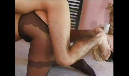 فتیشیست در جوراب ساق بلند خوابید و بیدمشک یک زن بزرگسال را تصاویر سکس زنان خارجی لگد زد